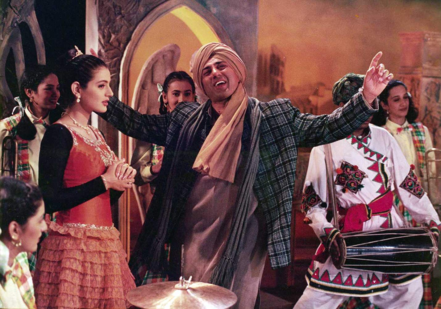 Sunny Deol and Ameesha Patel
