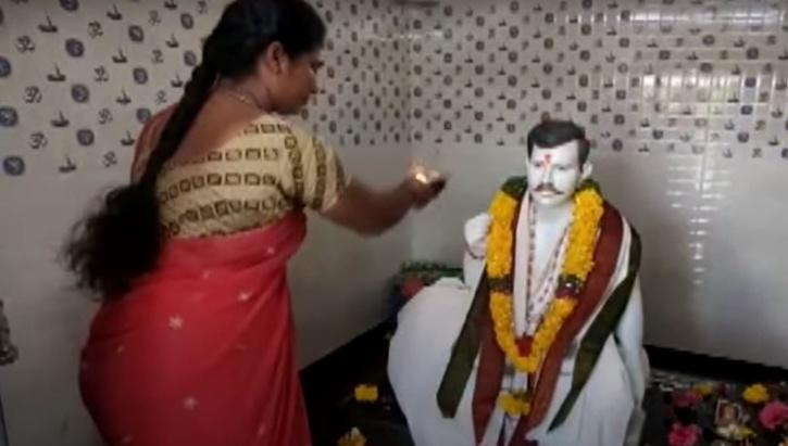 Andhra woman builds temple for dead husband 1